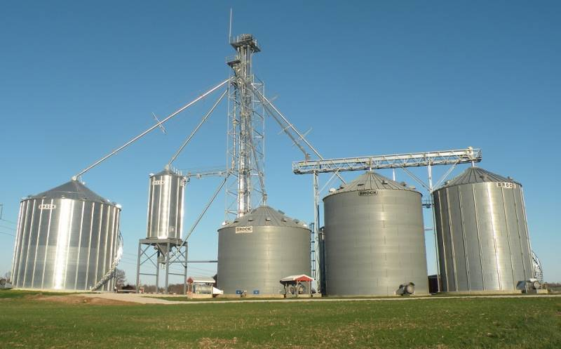 48' Brock Farm Grain Bins